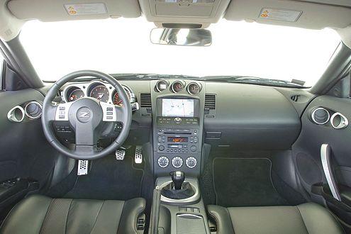 Luftikus: Im 350Z scheint deutlich mehr Raum zu sein als im Z4.
