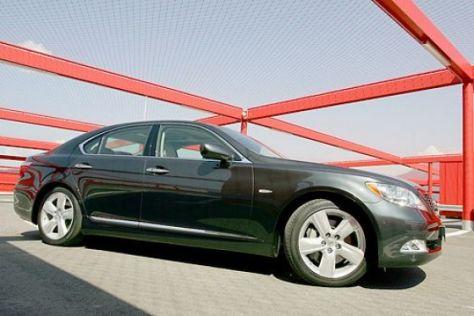 Test Lexus LS 460 gegen Mercedes S-Klasse