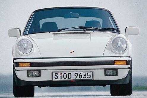 Der Porsche 911 Carrera: Mit 231 PS lief er schon Mitte der 80er-Jahre stolze 245 km/h.