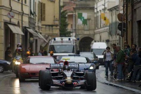 Eingestiegen und vorgefahren: Sebastian Vettel reiste im STR3 nach Brisighella...