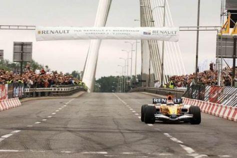 Im Juni 2007 veranstaltete Renault eine Formel-1-Demonstration in Warschau