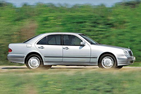 Gammel-Alarm: Viele W210 rosten munter vor sich hin.
