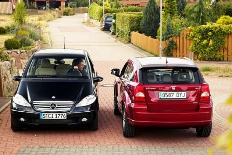 Test Mercedes A-Klasse gegen Dodge Caliber