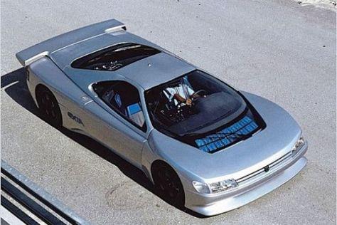 Bei der Oldtimer-Versteigerung von Peugeot brachte das Konzeptauto Oxia 120.000 Euro ein.