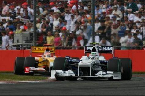 Rundenlang hielt Nick Heidfeld Fernando Alonso erfolgreich hinter sich