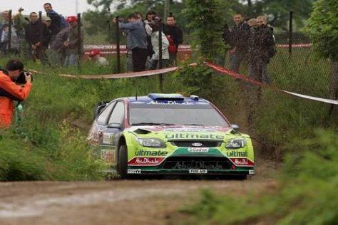 Mikko Hirvonen hat in Polen noch einen hauchdünnen Vorsprung