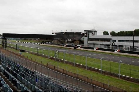 Der Donington Park erhält eine neue Boxenanlage samt neuem Fahrerlager