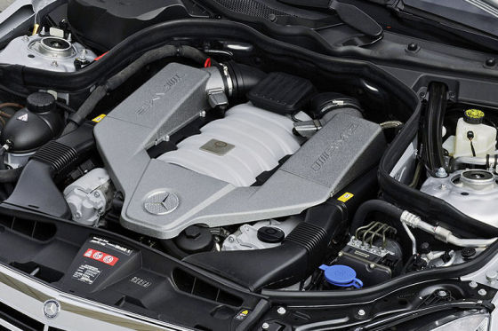 Motor Mercedes E 63 AMG