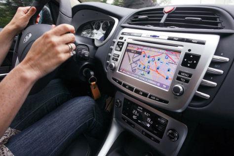 Eingebautes Navigationsgerät