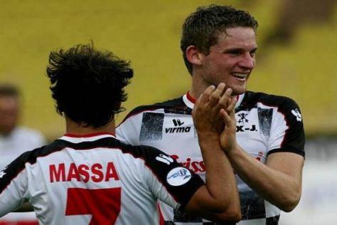 Maro Engel zieht sich wieder für den guten Zweck das Fußballtrikot an