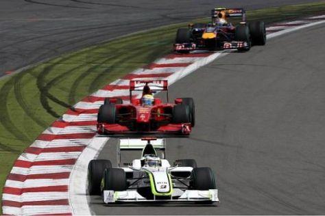Vor dem Boxenstopp: Jenson Button vor Felipe Massa und Mark Webber