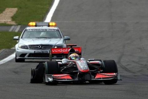 Lewis Hamilton humpelte mit kaputtem Reifen zurück an die Box