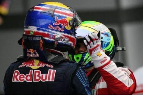Felipe Massa gratuliert Mark Webber zum ersten Formel-1-Sieg