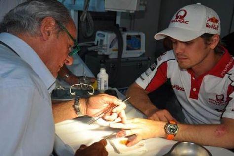 Schmerzhaft: Mika Kallio musste sich am Ringfinger behandeln lassen