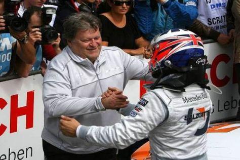 """""""Eine Klasse für sich"""": Norbert Haug mit seinem Siegfahrer Gary Paffett"""
