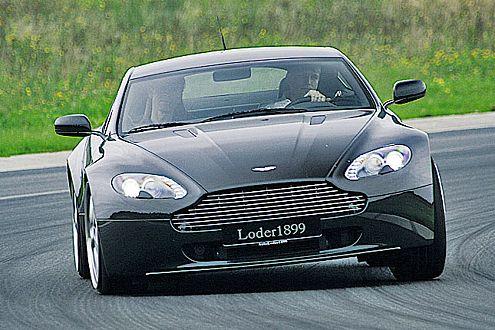 Nicht für deutsche Ohren gedacht: Der Aston Martin mit Export-Endrohren.
