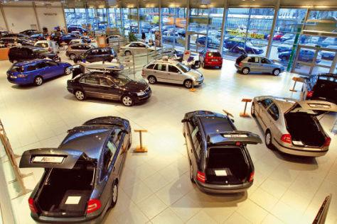 Bei neu angemeldeten Autos sinkt der Durchschnittsverbrauch.