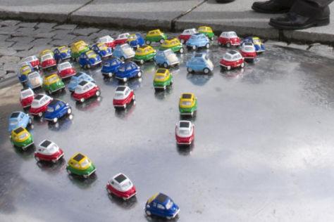 BMW versteckt Mini-Isettas in München
