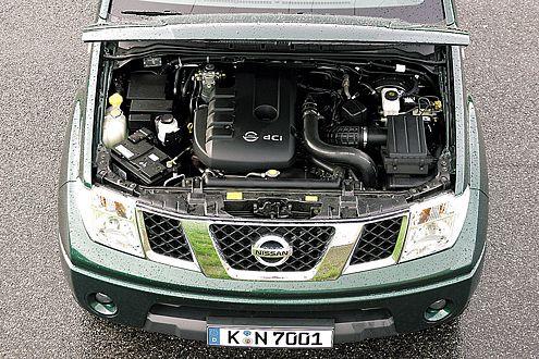 Gähnendes Turboloch im Navara – der 2,5-Liter-Diesel zieht erst ab rund 1800 Touren.