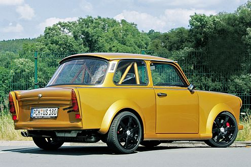 """Glänzende Idee: Das schimmernde """"Capri Gelb"""" stammt vom Astra Coupé."""