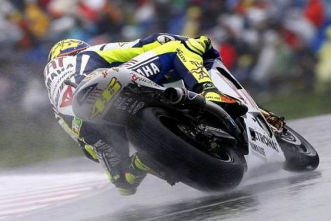 Valentino Rossi fuhr sich am Freitag in Donington auf den dritten Rang