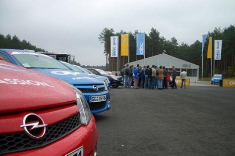 Fahrtraining auf der Opel-Teststrecke