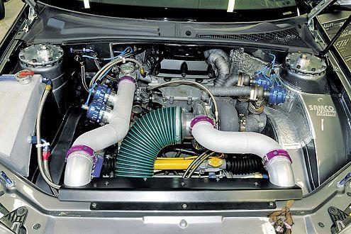 Höllisch: 802 PS und 775 Nm lassen jegliche Zurückhaltung missen.