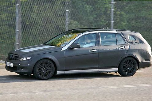 Erst Limousine, dann T-Modell: 2007 kommt die C-Klasse neu.