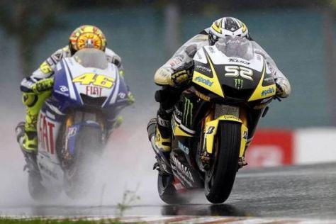James Toseland konnte sich nicht vor Valentino Rossi halten