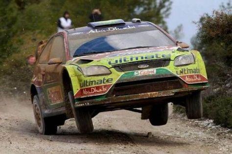 Mikko Hirvonen liegt bei seinem Heimlauf ganz knapp in Führung
