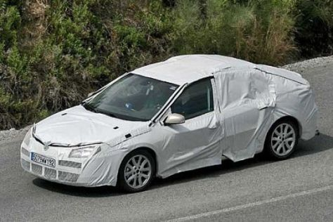 Erlkönig Renault Laguna