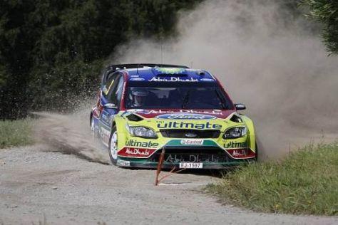 Mikko Hirvonen fährt bei der Rallye Finnland dem Heimsieg entgegen