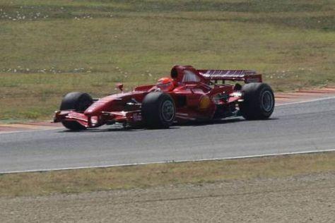 Michael Schumacher muss weiter auf den F2007 bei Tests zurückgreifen