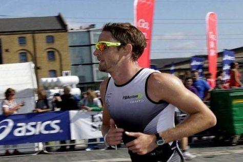 Jenson Button nahm zum Auftakt der Sommerpause am London-Triathlon teil