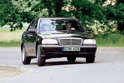 W 202: Die erste C-Klasse war der letzte Mercedes mit klassischer Front.