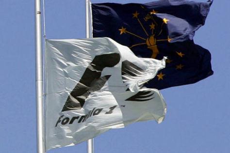 Die Formel-1-Flagge weht stolz im Wind: Das Concorde Agreement steht