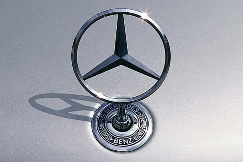 """2003 bei """"AutomarxX"""" noch ganz hinten, jetzt auf Platz 27: Mercedes."""