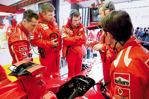 2006: Schumacher und das ganze Ferrari-Team wollen es nach dem Debakel 2005 noch einmal wissen.