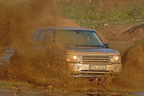 Wenn es richtig kniffelig wird, dann kommt der Range Rover weiter.