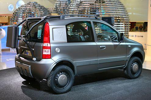 Zwei Sitze, drei Türen: Der Panda Tanker ist extrem vielseitig.