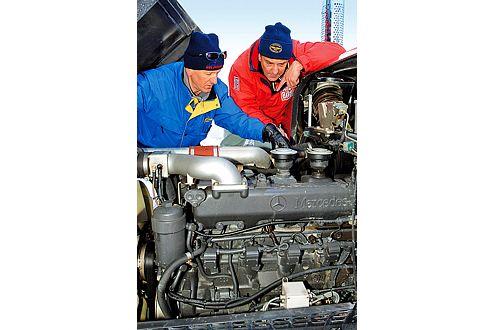 Sechs Richtige: Mercedes Motor OM 457 LA mit zwölf Litern und 430 PS.