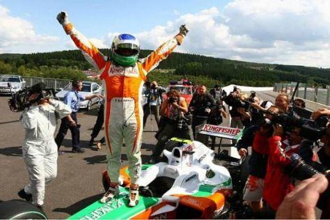 Giancarlo Fisichella jubelt über seine vierte Pole-Position