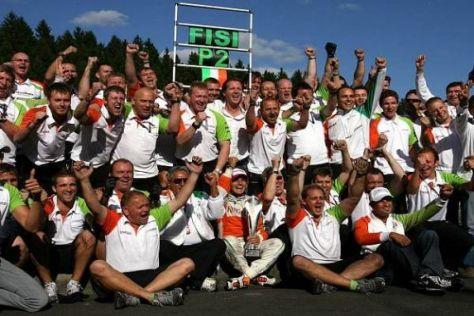 Giancarlo Fisichella und die Force India-Mannschaft jubeln über den zweiten Platz