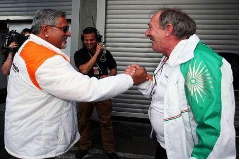 Vijay Mallya und Ian Phillips (rechts) tragen eine Meinungsverschiedenheit aus