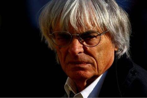 Bernie Ecclestone befürchtet einen Schaden für die Formel 1 und Renault