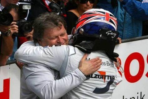 Für Norbert Haug ist Gary Paffett noch lange nicht aus dem DTM-Titelrennen