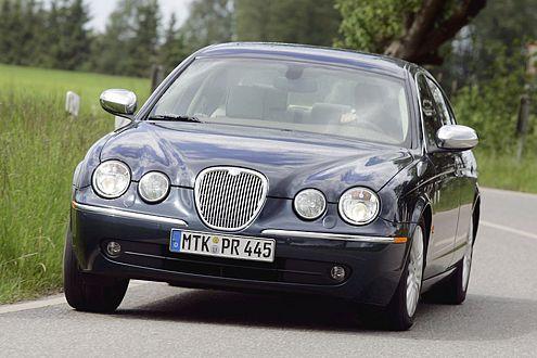 Trotz ordentlich Power ganz schön sauber: Der Jaguar S-Type 2.7 D siegte im Segment Obere Mittelklasse.