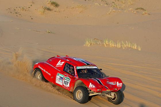 Trotz Überschlag gewinnen Matthias Kahle und Thomas Schünemann mit ihrem Buggy die Klasse T1.3.