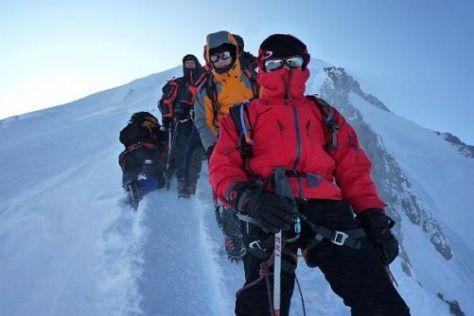 In eisigen Höhen: Die Expedition beim Abstieg vom Mont Blanc