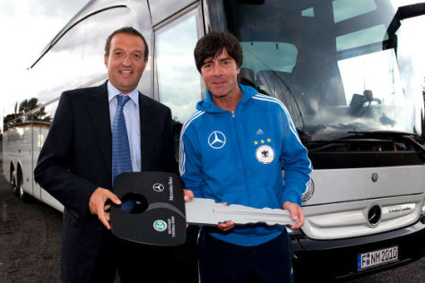 Neuer DFB-Bus Mercedes Travego M